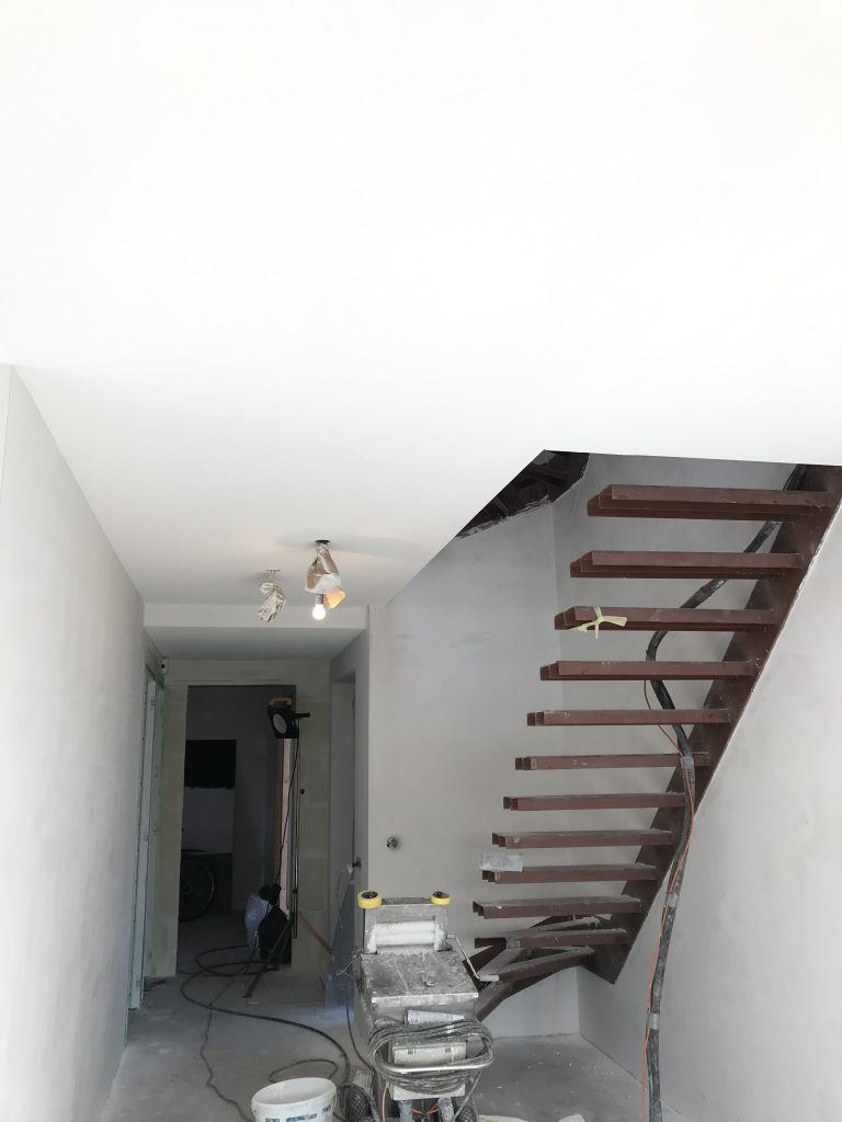 Spackspuiten van de Plafond (4)